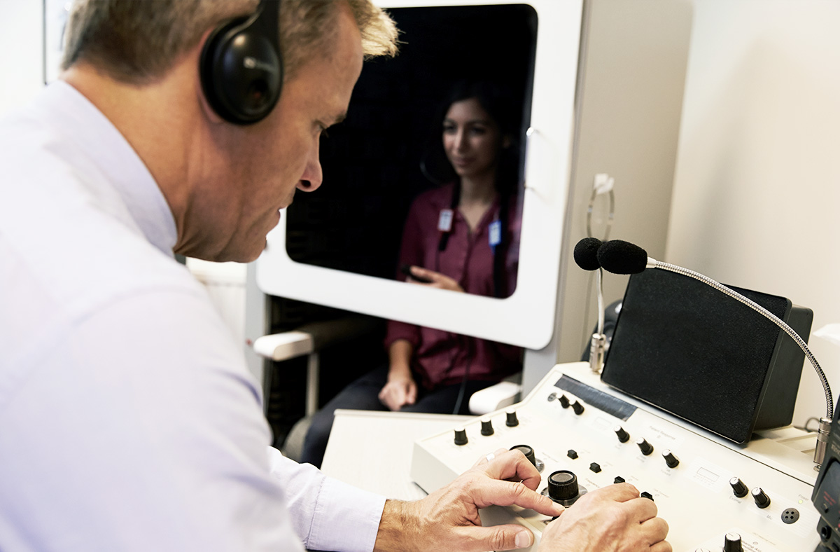 textimagespot-first-visit-measuring-hearing-1200x788